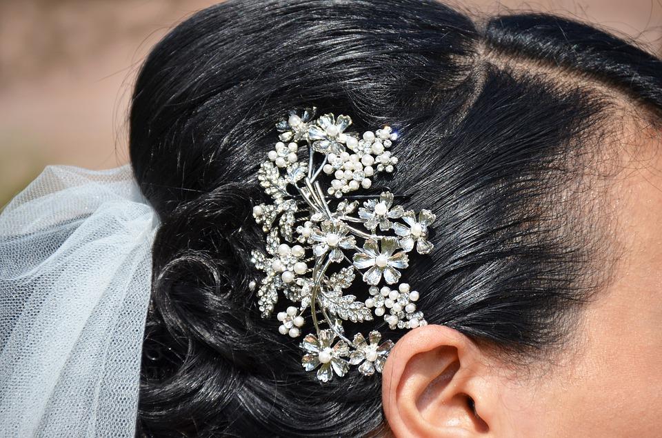 Haarspange mit Stab für exklusive Frisuren