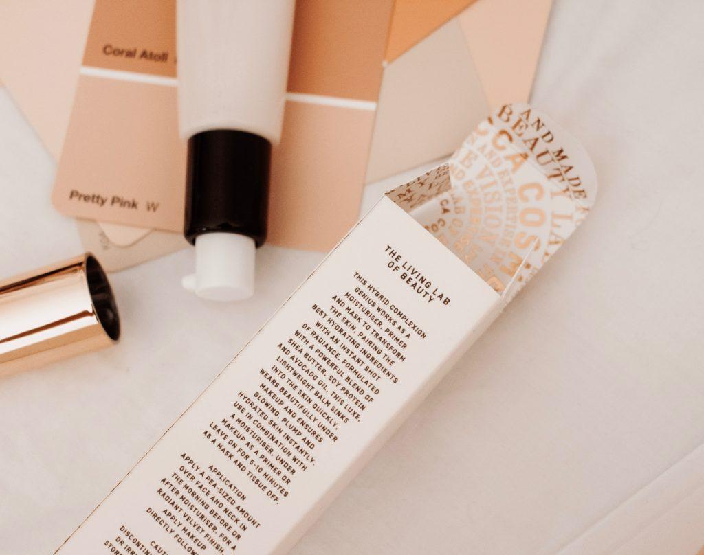 Pflegende Faltenfüller Creme für die Gesichtshaut