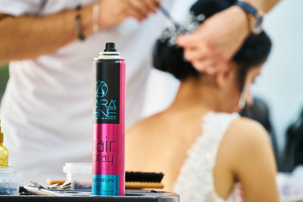 Haarfestiger Spray für den eleganten Look