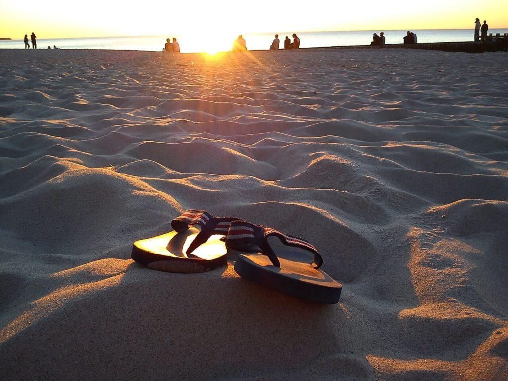 Stylische Sommer Flip Flops von Hilfiger